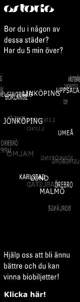 Svart vertikal banner från Astoria: 'Bor du i någon av dessa städer? Har du 5 min över? Västerås, Linköping, Uppsala, Jönköping, Umeå, Karlstad, Örebro, Malmö... Hjälp oss att bli ännu bättre och du kan vinna biobiljetter!'